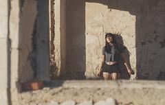(Mishifuelgato) Tags: alba laguna de salinas alicante nikon d90 50mm 18 marco piedra pose fotografia photography retrato portrait luz ventana