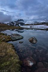 Tussevatnet in Jotunheimen / Norway (MC-80) Tags: smrstabbrean glacier jotunheimen norway sognefjellet sognefjellsveien sogn og fjordane luster bverdalen norwegen sunset light sonnenuntergang bverbrean tussevatnet outdoor wasser heiter meer himmel schrfentiefe
