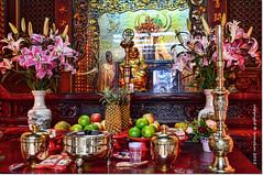 Altar (ironde) Tags: china flowers red flores fruit roc temple rojo jon asia buddha hsinchu taiwan altar fruta formosa buda templo budismo buddihsm errazkin nikond7000 ironde