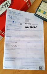 20150418_162409 copie (C&C52) Tags: closeup papier racket phoneshot déclaration formulaire