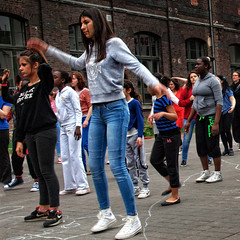 FlashMob Molen.Dance #0 ¬ 2318 (Lieven SOETE) Tags: life city brussels people urban woman art female donna dance mujer arte belgium artistic danza kunst femme mulher young diversity ciudad social danse menschen personas persone human tanz stadt metropolis frau dança personnes ville jóvenes junge citta joven jeune 2014 τέχνη 女人 жена люди weiblich искусство intercultural танец женщина девушка artistik γυναίκα kadın diversité espacepublic interculturel женский socioartistic