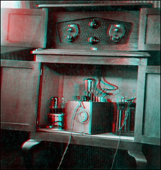 Radio 1920s (anaglyph) (ookami_dou) Tags: radio vintage technology anaglyph stereoview electrobic
