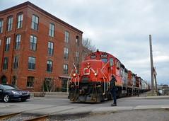 Flagging Charlevoix street (Michael Berry Railfan) Tags: cn spur canal quebec montreal side bank east sthenri canadiannational emd gmd gp9 cn7246 cn7015 eastsidecanalbank eastsidecanalbankspur