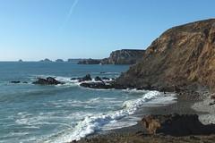 Le 5 mars 2015, Lostmarc'h, beau temps (Chti-breton) Tags: mer hiver promenade paysage vagues plage falaises galets gr34