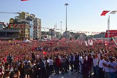 TAKSIM'DE CUMHURIYET VE DEMOKRASI BULUSMASI (CHP FOTOGRAF) Tags: siyaset sol sosyal sosyaldemokrasi chp cumhuriyet kilicdaroglu kemal ankara politika turkey turkiye tbmm meclis taksim istanbul ozgurluk demokrasi