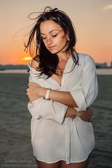 Daria 019 (Svetlana Kniazeva) Tags: park sunset portrait beach canon model dubai style photosession lifestylephotography 50mmf12l dubaiphotographer svetlanakniazeva photosessionindubai