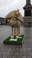 Nelson  Shaun the Sheep (Julie Ramsden) Tags: london trafalgarsquare nelson shaunthesheep shauninthecity