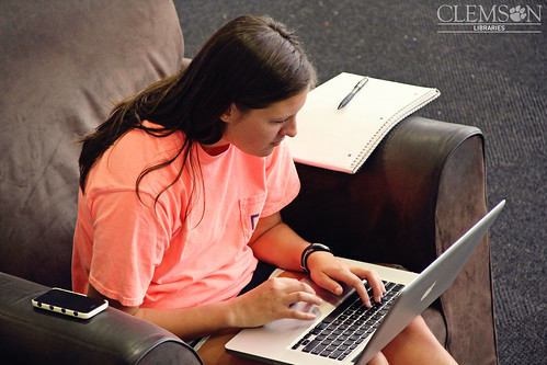 Those comfy chairs are the best! by clemsonunivlibrary, on Flickr
