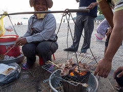 Shianoukville, Street Food at the Beach