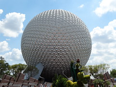 Spaceship Earth @ Epcot (AppStateJay) Tags: vacation epcot florida earth cybershot disney spaceship fl sonydschx300