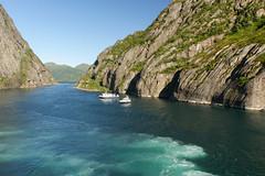 Hurtigruten, btresa (Michael Erhardsson) Tags: norway norge tur ms juli 2008 resa sommar hurtigruten skrgrd midnatsol trollfjorden ventyr btresa upplevelse nordkalotten tervndsgrnd nordlig