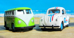 Volkswagen Beetle And Volkswagen Microbus Pull Back And Let Go Die-Cast Toy Made By Funtastic Birmingham England 2015 : Diorama Beach - 15 Of 34 (Kelvin64) Tags: volkswagen beetle and microbus pull back let go diecast toy made by funtastic birmingham england 2015 diorama beach