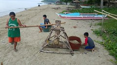 Pulling in the fishing nets (FAO of the UN) Tags: fishing philippines nets pulling camarines