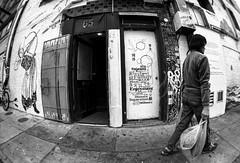 Family Relations (JohnMinSF) Tags: sanfrancisco street blackandwhite bw chinatown ultrawide