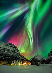Aurora, Norway (Wayne Pinkston) Tags: nightphotography night canon landscape aurora nightsky northernlights auroraborealis canon1dx waynepinkston lightcraftercom