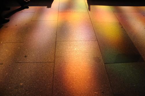 Im Licht des Richter-Fensters - Farbenteppich; Köln, Dom (2)