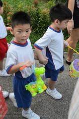 Ethan and his giraffe (Stinkee Beek) Tags: singapore ethan mooncakefestival pcfkindergarten