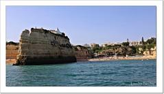 Praia da Senhora da Rocha y Ermita - El Algarve (Lourdes S.C.) Tags: portugal playa ermita oceano acantilados costaatlántica elalgarve