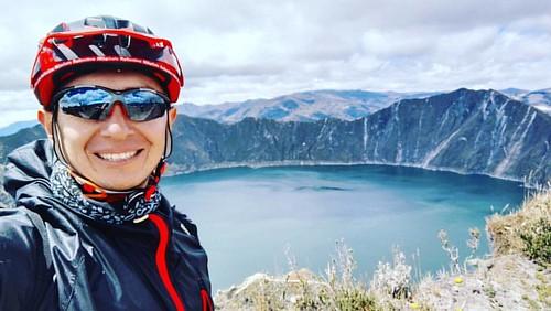 Seguimos recorriendo las lagunas de mi hermoso país #Ecuador, es está ocasión #LagunadeQuilotoa #Cotopaxi #Sierra #Páramo #Cicleada #Bike #Mtb #Transformación #photography #dosruedas #RiobambaEnBici #cyclinglife #cyclingphotos #instabike #instaroad #Bicim