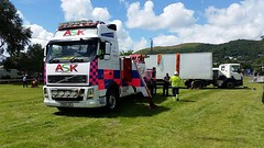 Volvo FH13 At Truckfest Southwest 3 (JAMES2039) Tags: volvo fm12 tow towtruck truck lorry wrecker heavy underlift heavyunderlift 6wheeler scania cardiff rescue breakdown ask askrecovery recovery fh13 pn09juc pn09 juc threecountiesshowground showground rollover rtc