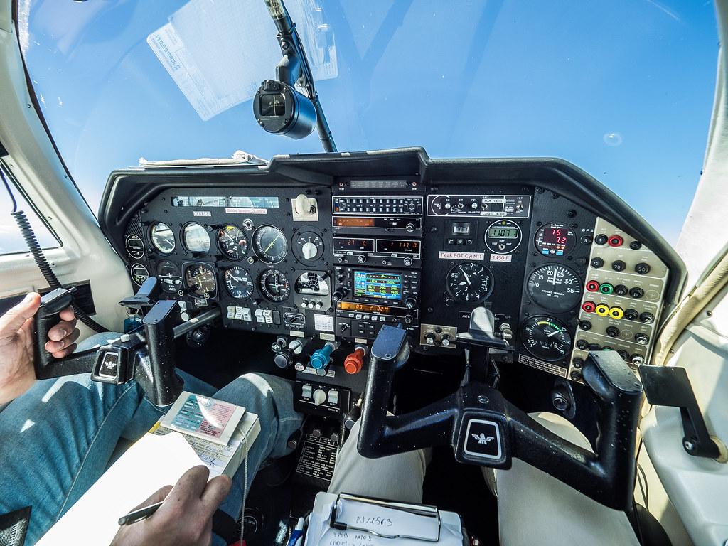 ... Mooney M20 (Benjamin Ballande) Tags: flying pamplona spain mooney m20