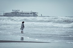 Stormy weather (Stefano@59 Ph.) Tags: sea girl weather pier seaside mare stormy spiaggia pontile