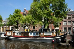 Amsterdam Houseboat (elhawk) Tags: amsterdam canal houseboat