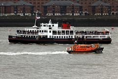 Royal Iris & Hoylake Lifeboat (David Chennell - DavidC.Photography) Tags: uk ferry lifeboat rnli rivermersey merseytravel merseyferry hoylakelifeboat