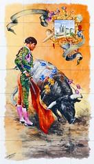 Azulejos. Taberna La Tienta (Madrid) (Juan Alcor) Tags: azulejos taberna latienta toro torero alcazar segovia madrid cmespantaleon