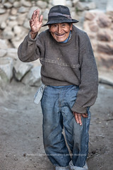 Tupe Mr-7374 (Banco de Imgenes Per) Tags: tupe yauyos tradicin costumbre cultura lima huancaya nios retrato gente sierra per peruvian herranza mujer matriarcado campo catahuasi aizatejidohermanasleacocinaabuelasembrandogallinacostumbre hbitoprctica usanza creencia leyenda historia pasado
