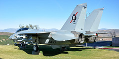 F-14A 162592 preserved (C.Dover) Tags: 162592 162592aj102 califonia f14a preserved simvalley usnavy