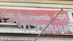 Trophe (Aot 2016) (Ostrevents) Tags: marseille bouchesdurhne provencectedazur france europe europa 13 union boursedutravail working cgt syndicat banire law loi rouge slogan red trophe trophy chn ostrevents
