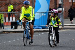 Dad and daughter on Nelson St (James O'Hanlon) Tags: skyride sky ride liverpool 2016 skyrideliverpool