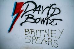 David Bowie VS Britney Spears (Simon Fataal) Tags: graffiti wall mauer david bowie britney spears fuerteventura canary islands kanarische insel