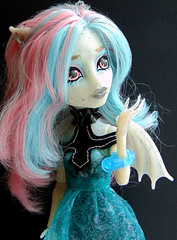Haunted Rochelle Goyle (_Caledonia_) Tags: monster high haunted rochelle goyle