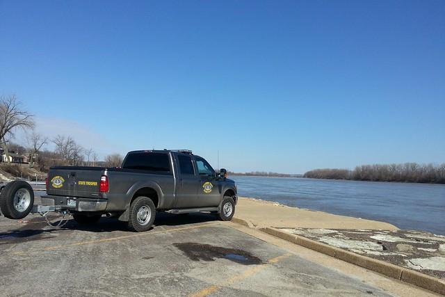 truck river police pickuptruck riverfront missouririver statetrooper policetruck fordf250 mshp washingtonmo missouristatehighwaypatrol