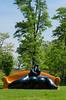 """[Day 12] Amour : """"Les amoureux sur canapé"""". (Lisa_BN) Tags: sculpture orange green love vert amour lover parc blagnac amoureux jeanlouistoutain"""