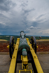 So wies da hinten aussieht muss ich wohl getroffen haben (matthias_oberlausitz) Tags: kanone festung knigstein lafette himmel wolken regen