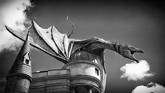 Dragon attack! (Andy J Newman) Tags: blackandwhite holiday mobile blackwhite orlando alley dragon florida universal studios universalstudios diagon silverefex