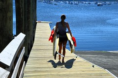 Manorhaven Beach Park, Pt Washington (Six Sigma Man (2.700.000 views)) Tags: portwashington longisland nikon nikond3200 manorhavenbeachpark surfboard peopleenjoyingnature