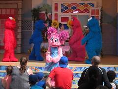 Sesame Place - Magic of Art (wallyg) Tags: abbycadabby amusementpark buckscounty langhorne magicofart sesameplace sesameplaceneighborhoodtheater pennsylvania themepark show grover telly cookiemonster elmo sesamestreet themagicofart