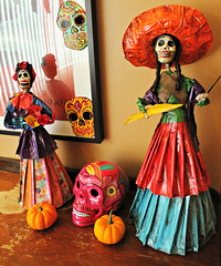 IMG_7845 (natl1046) Tags: halloween calavera skull sugarskulls nataween ween decorations halloweendecorations papermache folkart madeinmexico mexican catrina