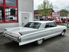 Cadillac - Bochum Frankys Diner_5637_2015-04-26 (linie305) Tags: auto show old cars car us spring automobile meeting diner cadillac vehicles american vehicle oldtimer motor autos bochum ruhrgebiet meet carshow ruhrarea hellweg automobil springmeet frankys castroper worldcars frankysdiner carmeeting
