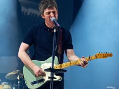 Noel Gallagher's HFB live @ Le Zenith, Paris 2015 (iurimartelliphoto) Tags: music paris birds flying high concert tour live gig noel oasis gallagher le zenith nghfb
