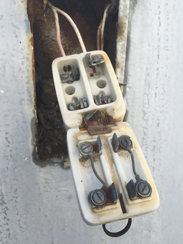 The Worlds Best Photos Of Flickr Hive Mind Old Style Fuse Box Wiring Digipub Tags Oldstyle Fusebox Kashimada