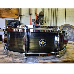 Black brushed brass patina is quickly becoming a shop favorite! 5X14 8 lug with die cast hoops. Surprising amounts of body for such a shallow snare. #qdrumco #brass #snare #drum