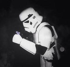 Stormtrooper Surprise! (jlmaral) Tags: espaa starwars spain asturias surprise stormtrooper oviedo sorpresa asturies 2015 cometcon