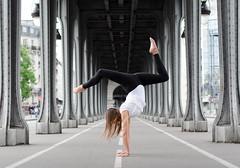 Samantha (Davit Khutsishvili) Tags: dkhphoto davitkhutsishvili paris france europe pont bridge birhakeim nikon d5100 gymnastics performing arts 50mm