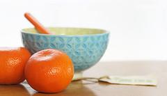 Mandarines or Mandarins? (judith511) Tags: mandarine mandarin bowl spoon hession fruit citrus odc focalpoint