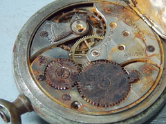 Relógio enferrujado (JODF) Tags: gear outils equipamento équipement engrenagem zeug zahnrad cosas engranaje clock pocketclock relógio flickrfriday